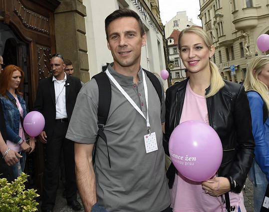 Roman Vojtek s přítelkyní
