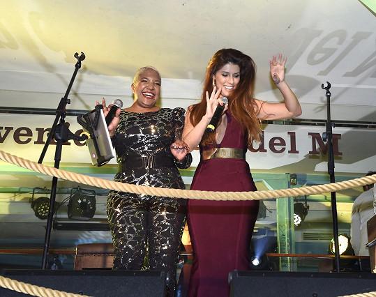 Victoria na jevišti kubánského klubu Bodeguita