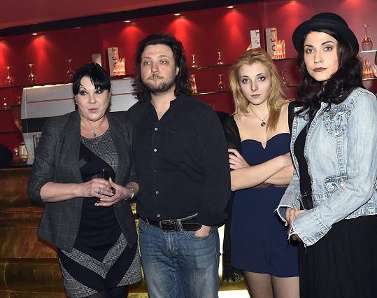 Míša a Felix s Dádou Patrasovou a Aničkou Slováčkovou na tiskovce k Alence v kraji zázraků