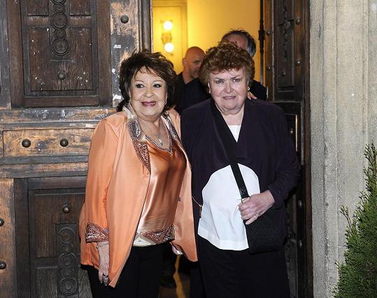 Jiřině Bohdalové popřála k narozeninám i její sestra Jaroslava.