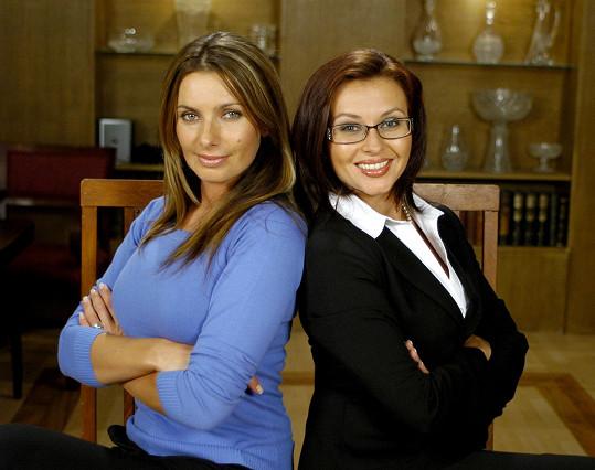 Dana Morávková s Alicí Bendovou v seriálu Rodinná pouta