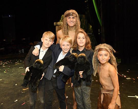 David s představiteli malého Tarzana