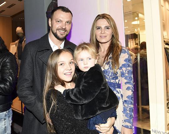Tomáš Ujfaluši s exmanželkou a dcerou Kačenkou