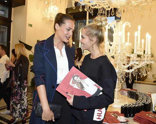 Na křtu magazínu se Dara potkala s Katkou Sokolovou.