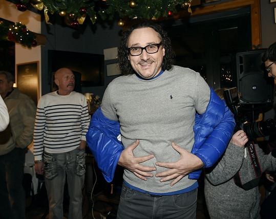 Marian Vojtko skočil s antibiotiky, aby mohl vyrazit na předvánoční párty.