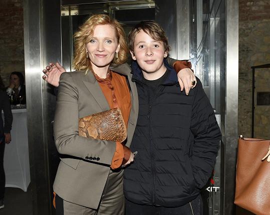 A se synem Brunem