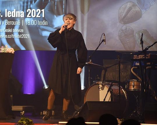 Zpěvačka Monika Načeva při vystoupení