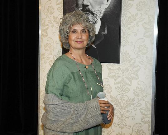 Veronika Freimanová ve hře Kvartet, kterou nyní Divadlo Bez Zábradlí uvádí na letních scénách.