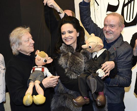 S našimi nejpopulárnějšími loutkami vyrůstala řada osobností. Ráda se s nimi vyfotila i Lucie Bílá a Václav Neckář.