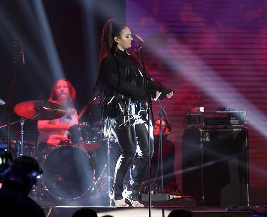 Ewa Farna zazpívala na vyhlášení hudebních cen Anděl.
