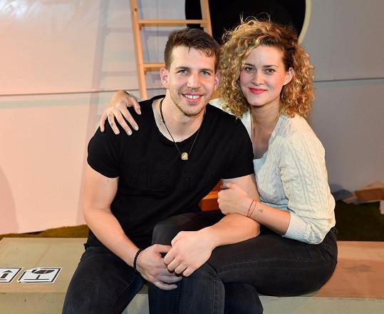 Než se pustí do příprav vlastní svatby, tak chtějí Peter a Kateřina uspořádat charitativní akci.