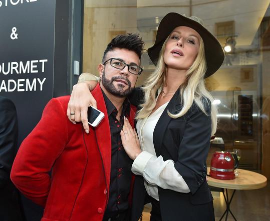 Osmany s kamarádkou Simonou Krainovou na párty