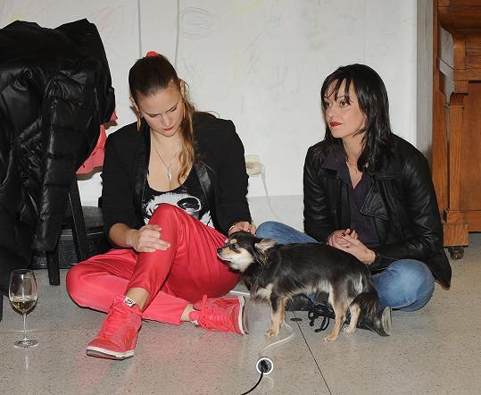 Druhou kmotrou byla zpěvačka Vladivojna La Chia, s níž se Tereza poznala osobně až na křtu a hned si padly do oka.