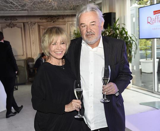 S manželem Pavlem Satoriem na párty