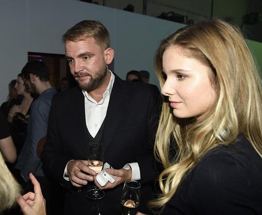 Libor Bouček na večírku s partnerkou Gábinou na večírku bezdýmového produktu.