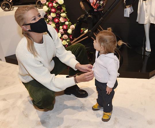 Andrea Sestini Hlaváčková s dcerou Isabellou
