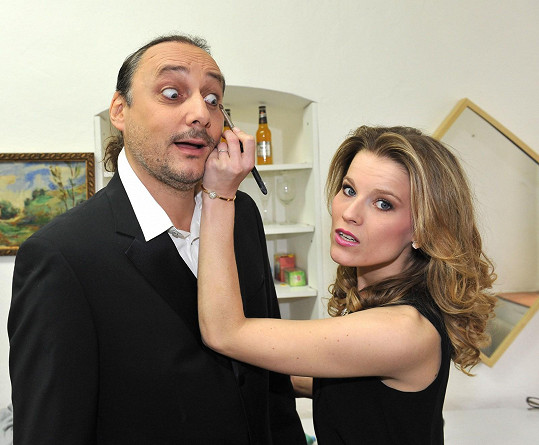 Marian při focení s Míšou Gemrotovou, kolegyní z Fantoma opery