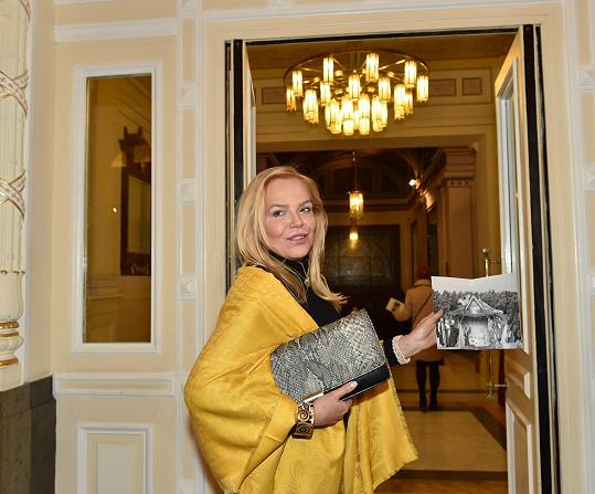 Kmotrou papírového betlému se stala Dagmar Havlová.