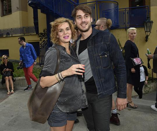 Markéta Frösslová a Patrik Děrgel už brzy budou pyšnými rodiči.