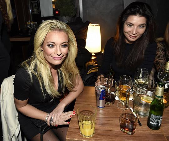 Lucie se zapovídala s Leošovou přítelkyní Monikou Koblížkovou.