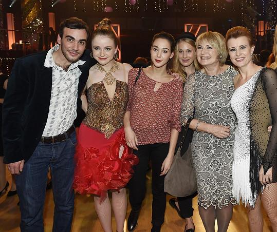 Marie Doležalová a její fanklub, který podpořil i Jitku Schneiderovou. Ta od poroty dostala nejvyšší možné hodnocení.