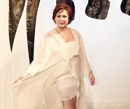 Ilona Svobodová v modelu od Ivany Follové