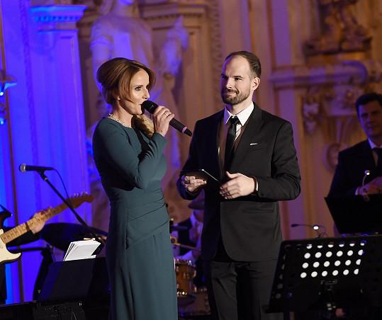 Na pódiu Španělského sálu s moderátorem Janem Maxiánem