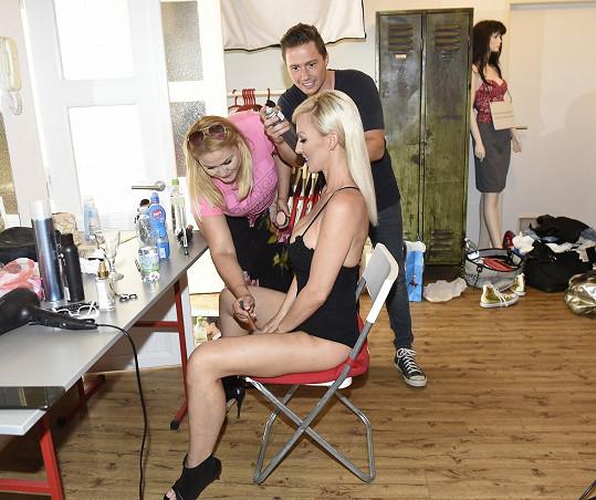 V péči vizážistky Katky a kadeřníka Libora