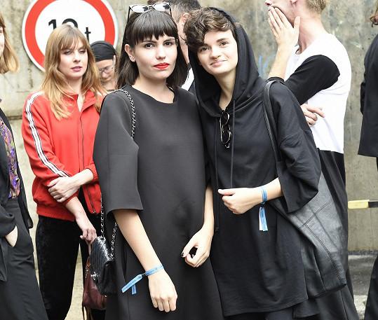 Karolína a Natalie dokonce zapózovaly naší fotografce.