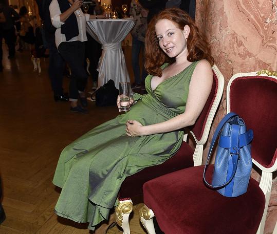 Annelie Paurová Herz čeká s manželem Jiřím Paurem prvního potomka.