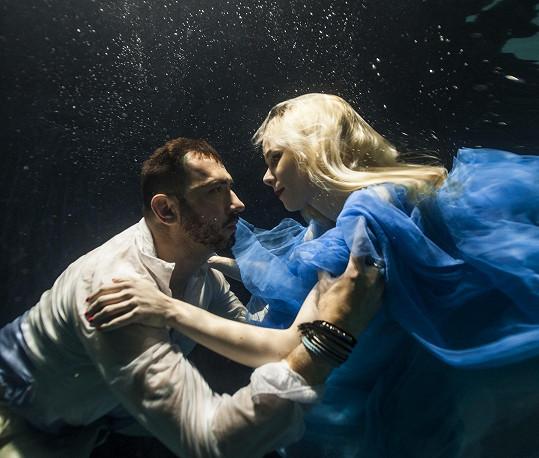 Jana Fabiánová zpívá v novém muzikálu Alice, Alenka a voda živá v Divadle Semafor.