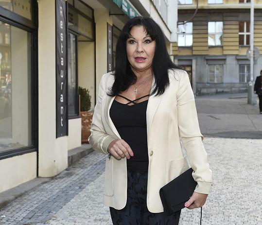 Dáda Patrasová zvolila sexy top.