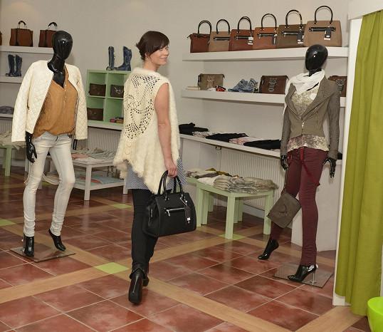 Šárka klidně kupuje oblečení i na úvěr.