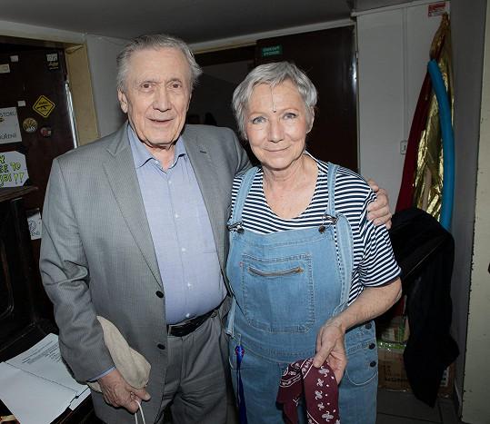 V zákulisí se potkal s kolegyní Danou Syslovou.