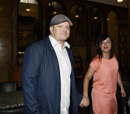 David Novotný s manželkou na nedávné premiéře