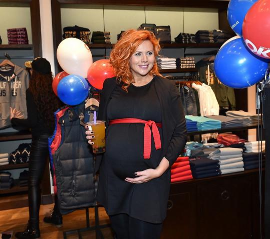 Štěpánka Decastelo je v osmém měsíci těhotenství.