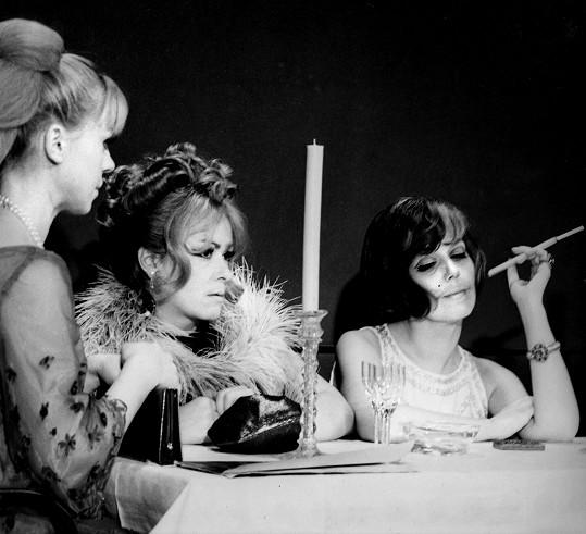 Iva Janžurová, Jiřina Bohdalová a Jiřina Jirásková ve filmu Světáci (1969)
