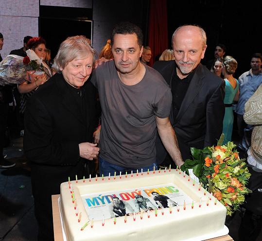 S bratrem a Martinem Dejdarem, jenž zpívá hlavní roli.