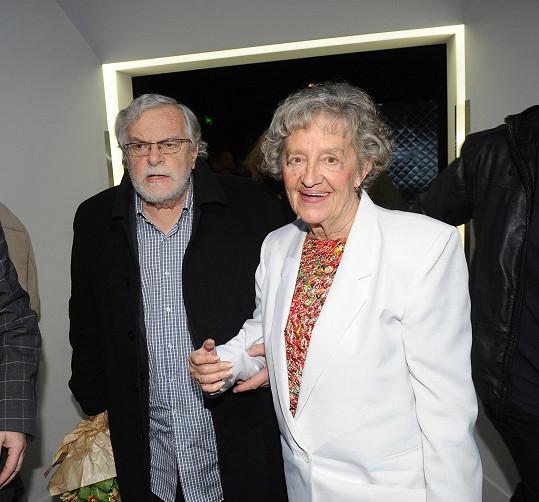 Jan Kačer na archivním snímku s ženou Ninou Divíškovou