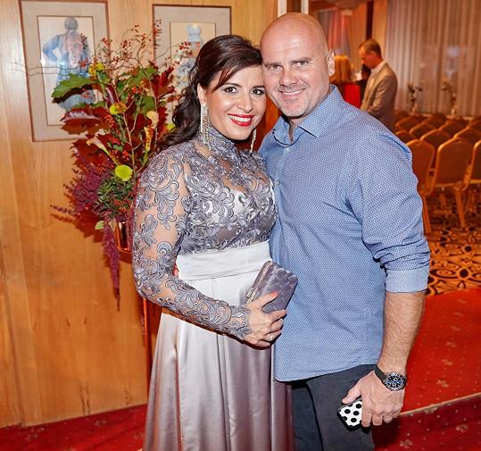 Andrea během galavečera s manželem Radkem Tögelem.