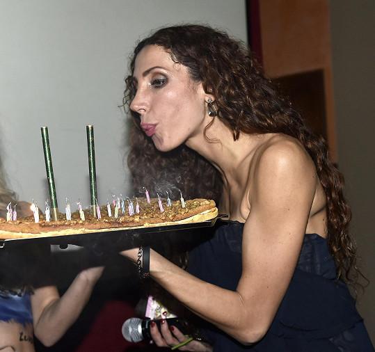 Olga slavila 34. narozeniny.