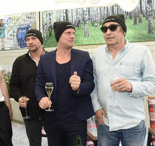 Spolu s kolegy Jakubem Prachařem a Ondřejem Pavelkou