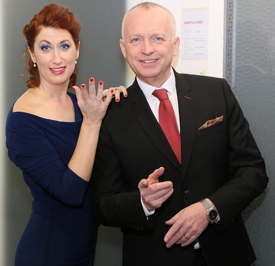 Večer moderovala Monika Trávníčková s Karlem Voříškem.