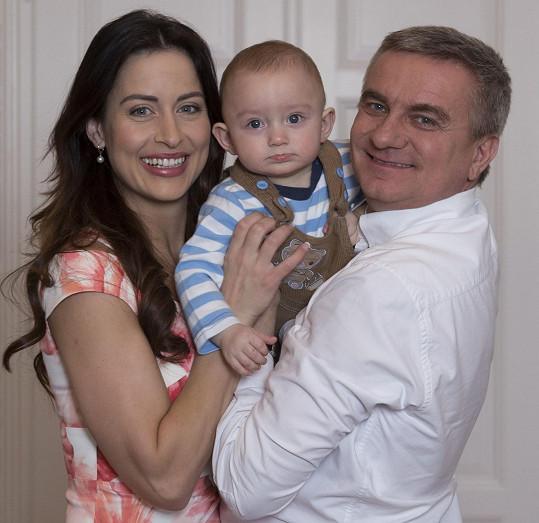 Syn Vratislav, kterého má Alex s hradním kancléřem, má už rok a tři měsíce.