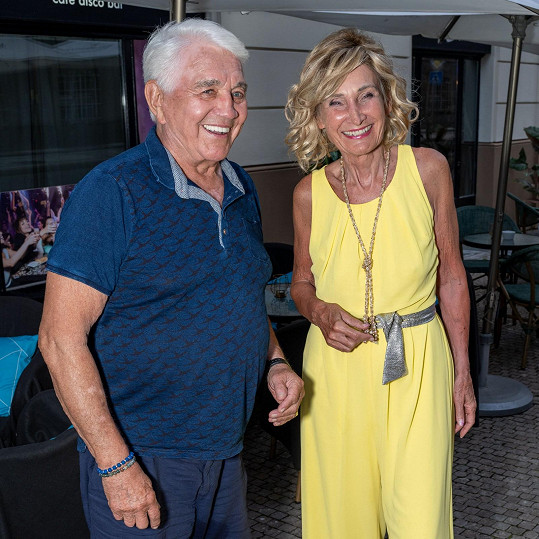 Doprovod mu často dělá kolegyně Zuzana Bubílková.