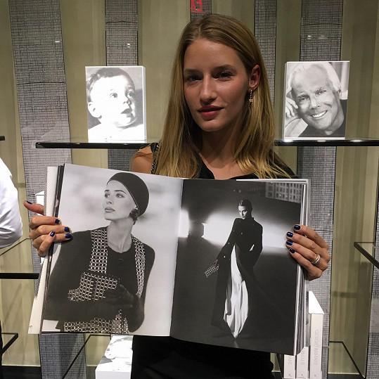 Linda Vojtová v nové foto knize Giorgia Armaniho