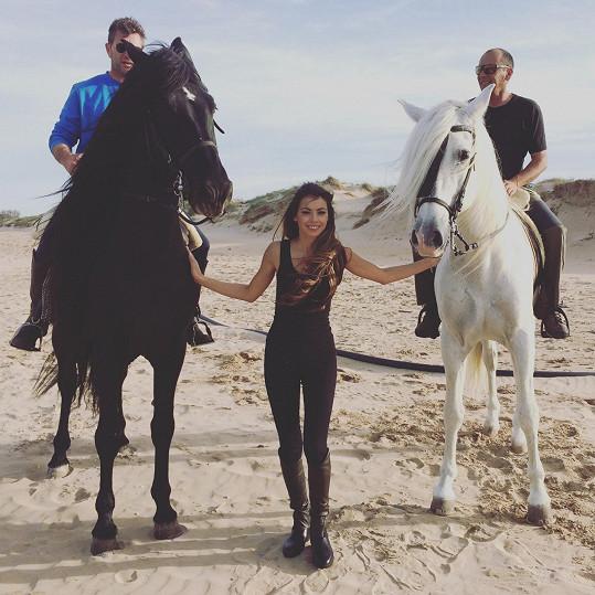 S oběma nádhernými koňmi