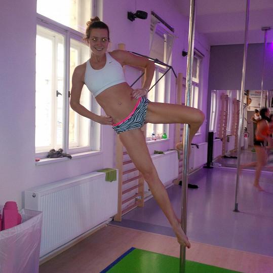 Evě vyhovuje trénovat s vahou vlastního těla.