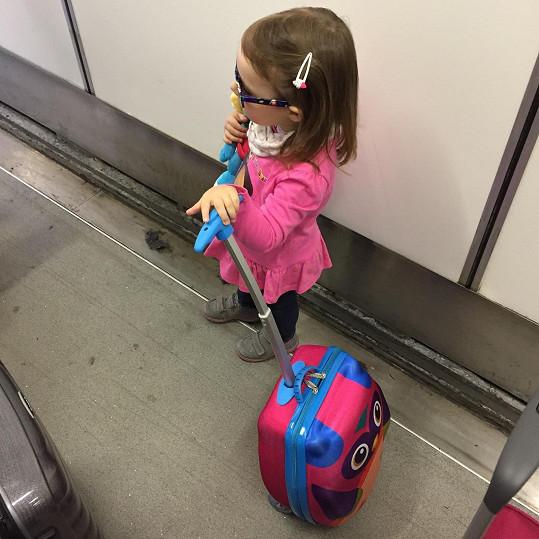 S rodiči všude cestuje i jejich tříletá dcera Adélka.