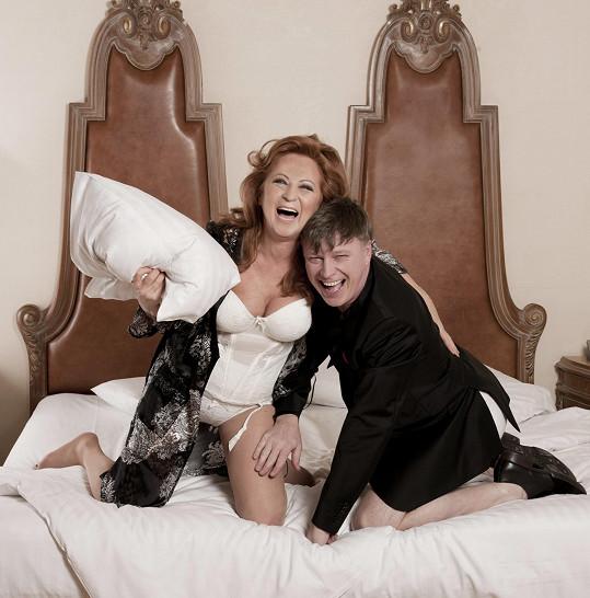 Simona Stašová a Michal Dlouhý v hlavních rolích komedie Vím, že víš, že vím.